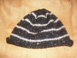 hat_darkgrey-stripe2