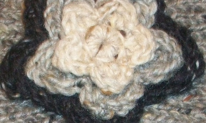 headband_flower_beige_d