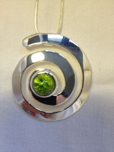 jewellery_pendant_green_2