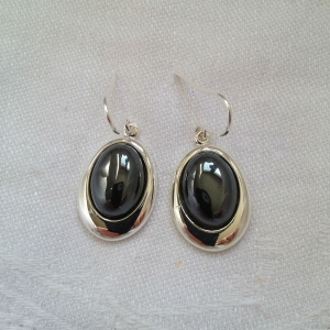 oval-black-earr-resized